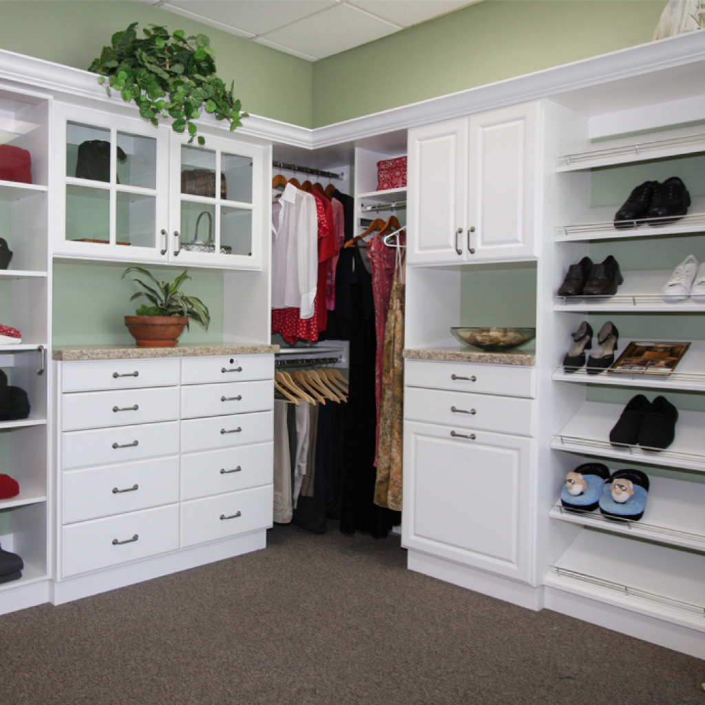 Traditional White With Slanted Shoe Shelves